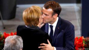 """""""Denken Sie daran, dass Frankreich Sie liebt"""""""