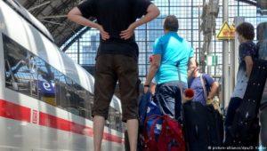 Bahn-Warnstreiks treffen Pendler am Montag