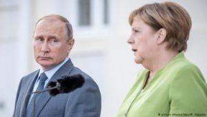 Merkel fordert von Putin Freilassung ukrainischer Soldaten