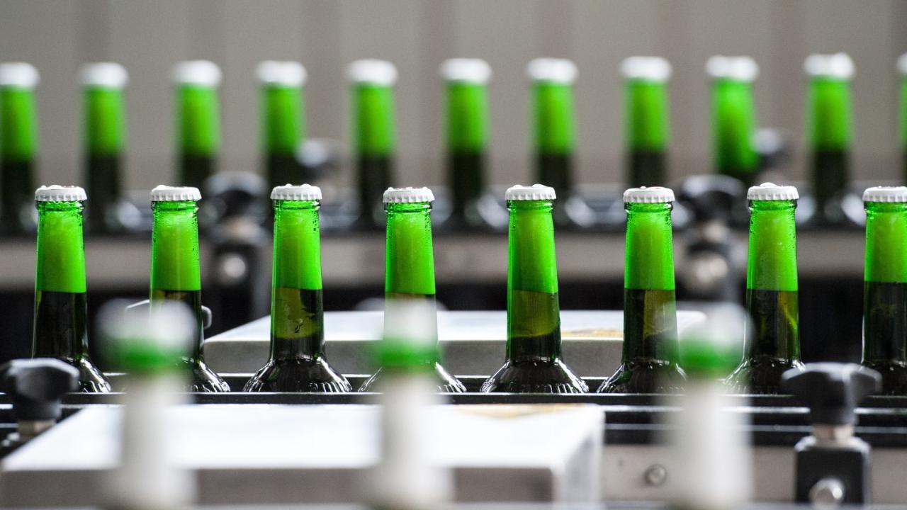 Bierflaschen bekommen Kalorien-Angaben