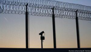 Gegen den Extremismus hinter Gittern