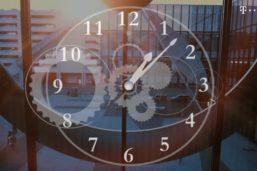 Zeitumstellung – Sommerzeit: Die Uhr eine Stunde vor- oder zurückstellen?