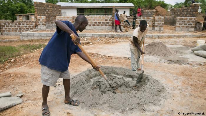 Rufe nach mehr Investitionen gegen Armut