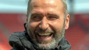 VfB Stuttgart holt Trainer Tim Walter für die neue Saison