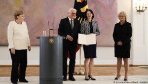 Bundeskanzlerin Merkel zittert erneut