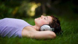 Kampf gegen das Pfeiffen im Ohr: Fünf Tinnitus-Apps im Vergleich