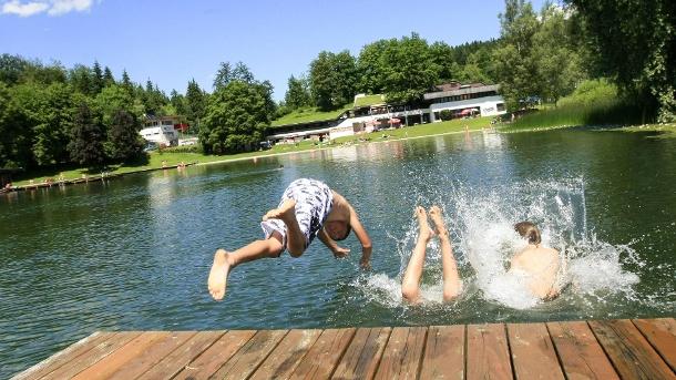 Schwimmen im Badesee: Was dabei zu beachten ist