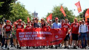 """Zehntausende wollen """"den Wandel"""""""