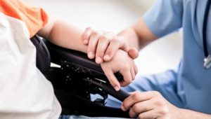 Dank Nerventransfer: Querschnittsgelähmte können Hände wieder bewegen