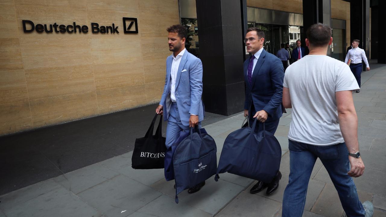 Ärger um Luxus-Anzügebei der Deutschen Bank